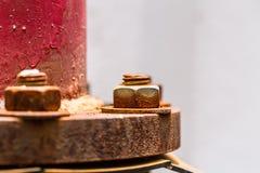 Rusty Steel Water Pipe Connector-Nuss und -bolzen lizenzfreie stockfotos
