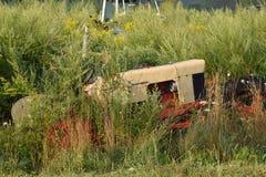 Rusty Tractor Graveyard immagini stock