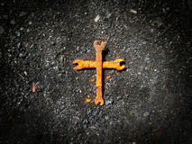 Rusty wrench cross Royalty Free Stock Photography