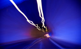 Ruszać się przez tunelu Zdjęcie Royalty Free
