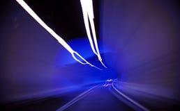Ruszać się przez tunelu Obraz Royalty Free