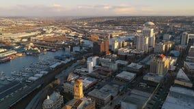 Rusza? si? wewn?trz w kierunku Tacoma Waszyngto?skiego nabrze?a i linia horyzontu zdjęcie wideo