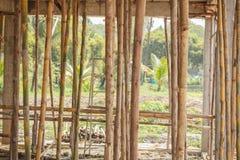 Rusztowania drewno dla małej budynek budowy fotografia stock