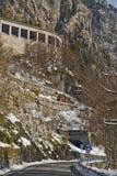 Ruta al paso de Monte Croce Carnico, Italia Fotos de archivo