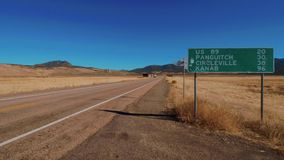 Ruta del paisaje en Utah que lleva a Bryce Canyon famoso
