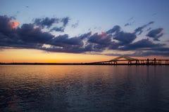 Ruta 78 del puente de la extensión de la bahía de Newark en New Jersey Fotos de archivo libres de regalías