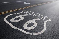 Ruta histórica 66 de giro a la derecha Imágenes de archivo libres de regalías