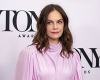 Ruth Wilson bij 2019 Tony Awards Meet de Benoemden drukt Kwark royalty-vrije stock foto's