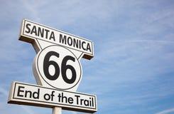 Rutt 66 undertecknar i Santa Monica Kalifornien Arkivbilder