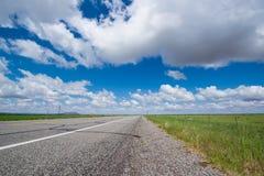 Rutt 50, den mest ensamma huvudvägen i Amerika, Nevada Royaltyfri Bild