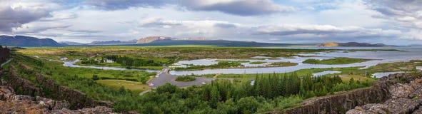 Rutt Island Skandinavien för guld- cirkel för Thingvellir nationalparkpanorama turist- arkivbilder