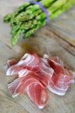Ruw asperge en bacon Royalty-vrije Stock Foto's