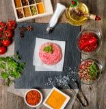 Ruw Fijngehakt hamburgervlees Royalty-vrije Stock Foto's