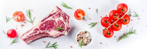 Ruw het rundvleeslapje vlees van het riboog royalty-vrije stock afbeeldingen