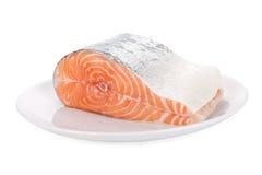Ruw lapje vlees van zalm op wit Royalty-vrije Stock Foto's