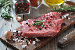 Ruw rundvleeslapje vlees Royalty-vrije Stock Fotografie