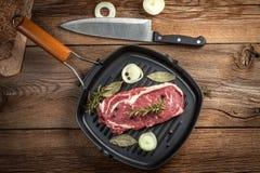 Ruw rundvleeslapje vlees Stock Afbeelding