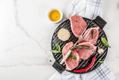 Ruw vlees, varkensvleeslapjes vlees Stock Afbeelding