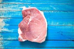 Ruw vlees voor de voorbereiding van hoog-calorievoedsel en hartelijk stock foto