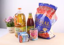 Ruw voedsel op de lijst royalty-vrije stock foto