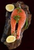 Ruw zalmlapje vlees Stock Afbeeldingen