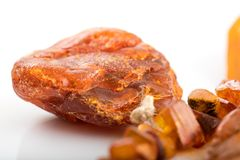 Ruwe amber van kust van de Oostzee Royalty-vrije Stock Fotografie