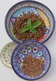 Ruwe & gekookte linzen Stock Foto