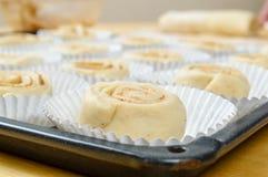 Ruwe broodjes Stock Afbeeldingen