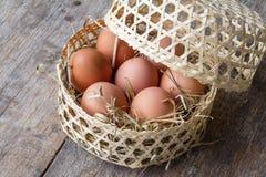 Ruwe eieren Stock Afbeeldingen