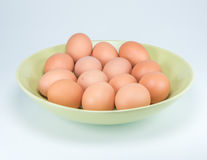 Ruwe eieren op witte achtergrond Stock Foto