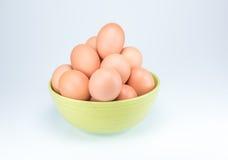 Ruwe eieren op witte achtergrond Royalty-vrije Stock Foto