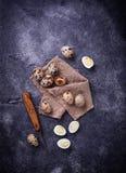 Ruwe en gekookte kwartelseieren Royalty-vrije Stock Fotografie