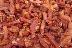 Ruwe, gemarineerde vleesstroken royalty-vrije stock foto's