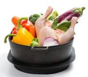 Ruwe kip met groenten royalty-vrije stock fotografie