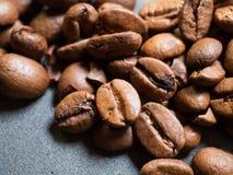 Ruwe koffiebonen Royalty-vrije Stock Afbeeldingen