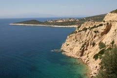 Ruwe kustlijn op het kleine Eiland Thassos, Griekenland Royalty-vrije Stock Foto's
