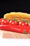 Ruwe lasagna's met tomaat royalty-vrije stock afbeelding