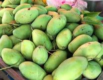 Ruwe Mango Royalty-vrije Stock Foto's