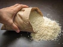 Ruwe ongekookte hashemi lokale rijst royalty-vrije stock fotografie