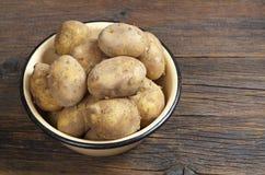 Ruwe ongewassen aardappel stock afbeelding