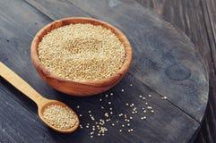 Ruwe quinoa zaden royalty-vrije stock foto