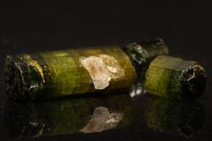 Ruwe Tourmaline-Kristallen stock fotografie