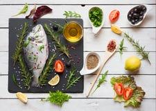 Ruwe vissen klaar voor het koken Royalty-vrije Stock Foto