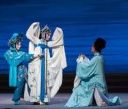 """Ruzie met elkaar en geworden de vijand-zevende handelingsdesintegratie van familie-Kunqu Opera""""Madame Witte Snake† Royalty-vrije Stock Foto's"""