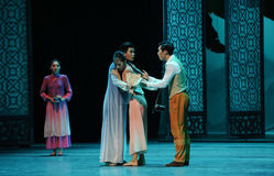 Ruzie tussen de broer-tweede handeling van de gebeurtenissen van dans drama-Shawan van het verleden Royalty-vrije Stock Afbeeldingen