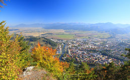 Ruzomberok от холма Cebrat, Словакии Стоковое Изображение RF