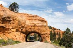 RV红色峡谷隧道犹他 图库摄影