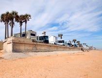 Rv, der auf dem Strand Florida kampiert Stockfotos