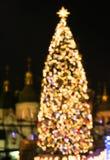 Árvore de ano novo feita das luzes do bokeh Fotografia de Stock