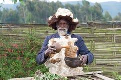 rwandyjska mężczyzna medycyna Zdjęcia Royalty Free